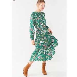 OU Reese Floral Tiered Smocked Midi Dress